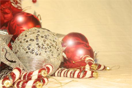 Red & Silver Ornaments (10840)
