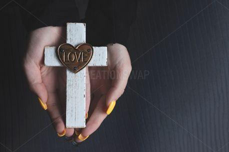 Love + Cross (100191)