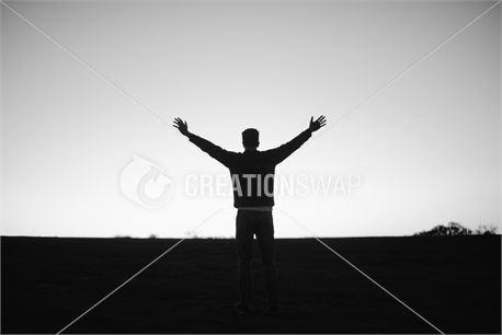 Open hands to sky (25205)