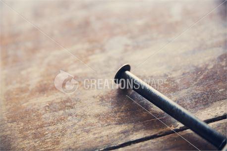 Nail & Wood (28655)