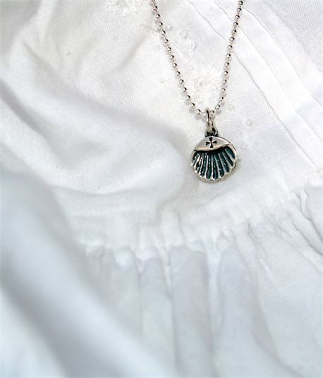 Baptism gown and necklace (29762)
