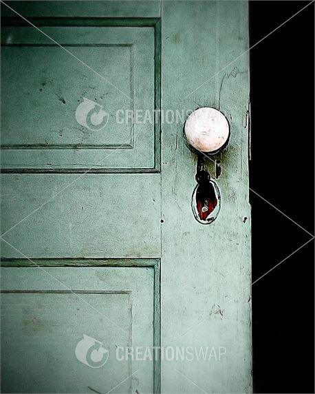 An antique doorway (38391)