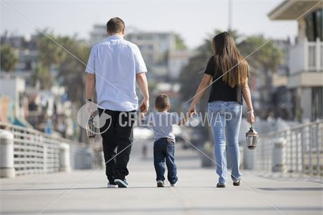 Family walking down the pier (48319)