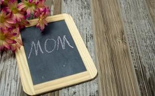 Flowers w/Mom Chalkboard