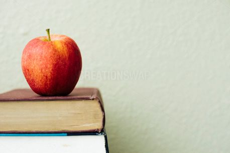 Apple on Books (55836)
