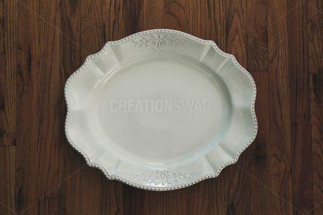 White serving platter (58665)