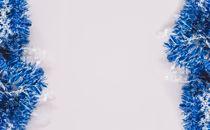 blue tinsel garland border