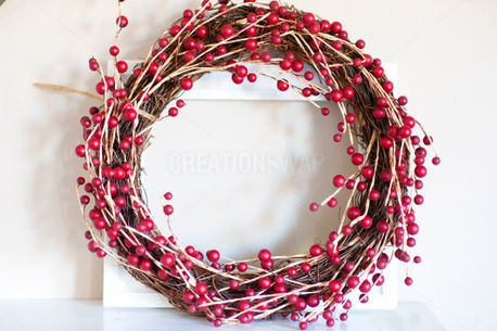 Berry Wreath & Frame (61043)