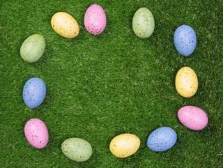 Pastel Easter egg border
