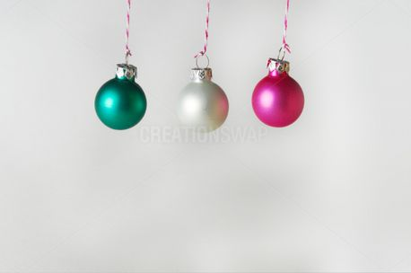 Hanging Christmas Ornaments (73399)