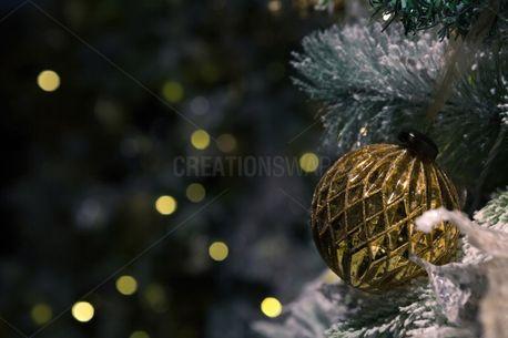 Winter Themed Christmas Tree (74012)