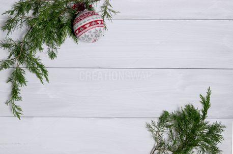 Cedar with knit ornament (74458)