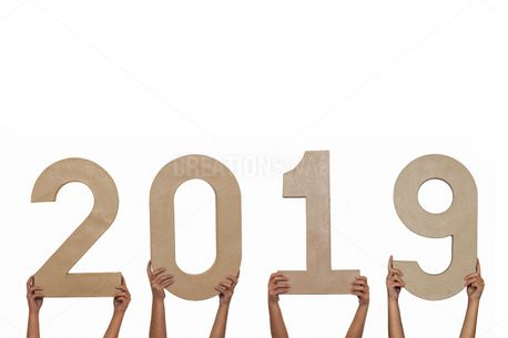 Holding up 2019 (75203)