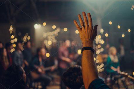 Worshiping (76975)