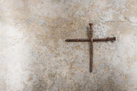 Rusty Nail Cross (77962)