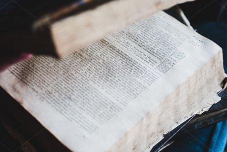 Open Vintage Bible (79420)