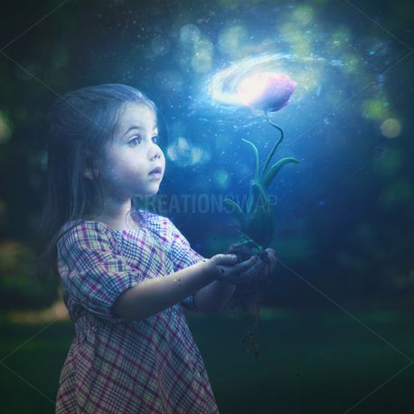Little girl with glowing flowe (79490)