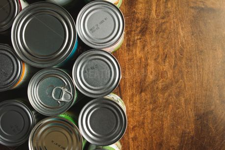 Canned Goods on Wood (82573)