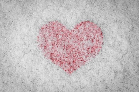 Red Heart Covered In Snow (84418)