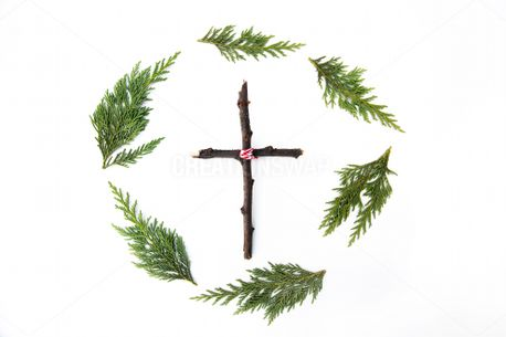 Wreath + Wooden Cross (84637)