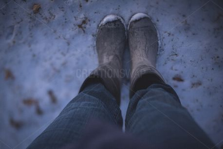 Boots in the snow (84997)