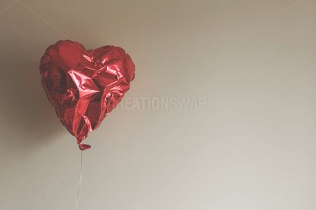 Red Heart Balloon (85048)