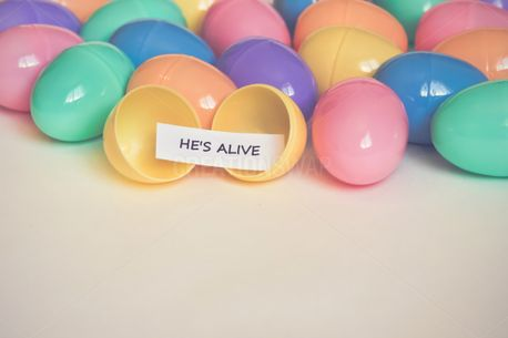 He's Alive Easter Egg (86039)