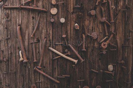 Wood & Nails (91031)