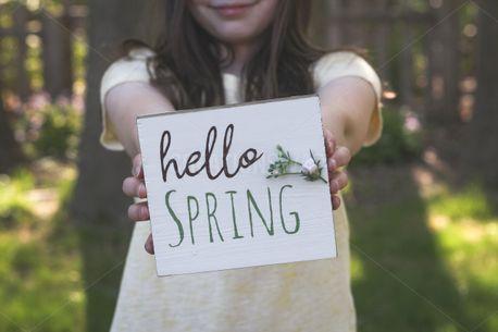 Hello Spring Girl (98065)